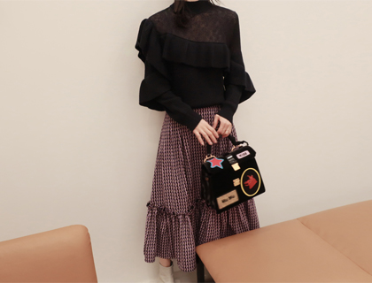 See-through frill knit