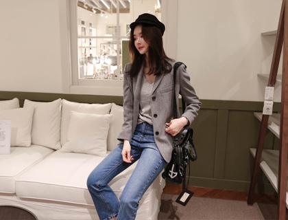 Three-button wool jacket