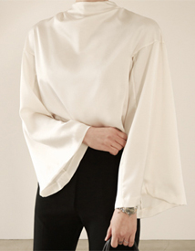 Silky zipper blouse