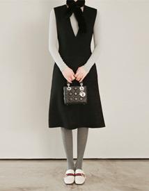 Cashmere-v dress