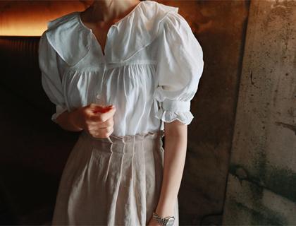 Blin frill blouse