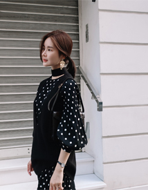 Dot-pleats dress