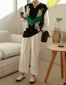 Point knit vest