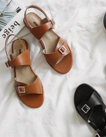 Greek sandal ♩