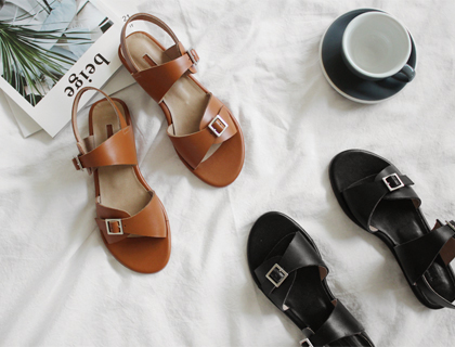 Greek sandal ♩