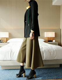 Wide-hul pants (khaki)