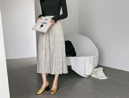 Rosy pleats skirt
