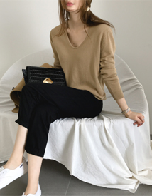 Studio v-neck knit