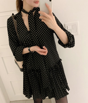 Dot tie dress
