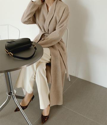 Burrow hand coat