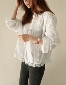 Arni lace blouse