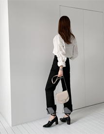 Roll-up black pants