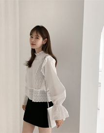 Lace punching blouse