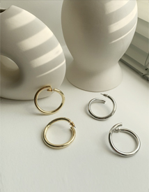 Vent ring earring