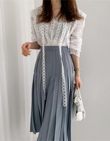 Romantic race blouse