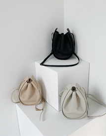 Row bucket bag