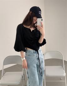 Off-shoulder shirring blouse
