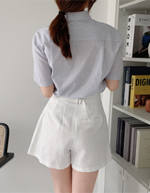 Back buckle shorts