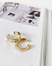 Gold-ring earring