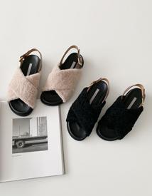Fur strap sandal ♩