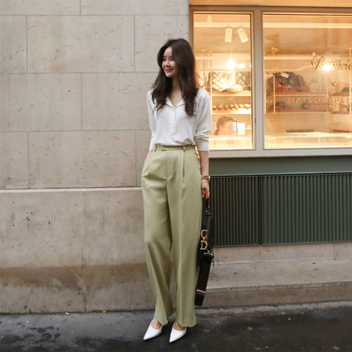 Six wide pants