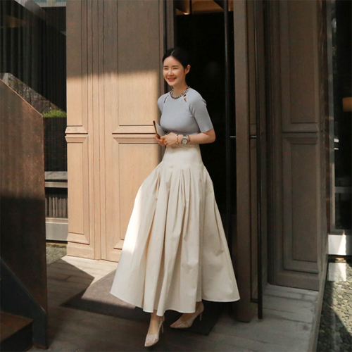 Pin tuck long skirt