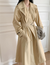 Triangle trench coat
