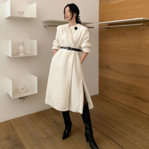 Shoulder Maxi coat